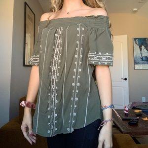 NWOT green patterned cold shoulder top